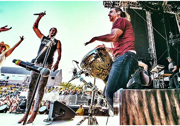 Michael Franti and Danny De Los Reyes